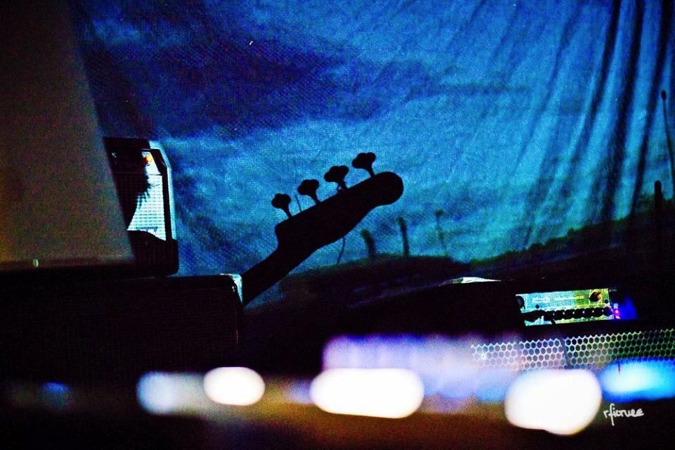 concert photography konzert dresden reiko fitzke laurent de schepper trio gerstengarbe trains on fire ballroom studios johannstadt Thomas Bär Winfried Rühle Katrin Kuechler Lars Oertel Michal Tomaszewski Thomas Herbst Enno Winde René Pálffy Alfred Haberkorn Jörg Linzner Johannes Gerstengarbe und Paula Akinsinde