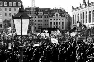 Jahresfeier der Pegida Dresden Bewegung auf dem Neumarkt