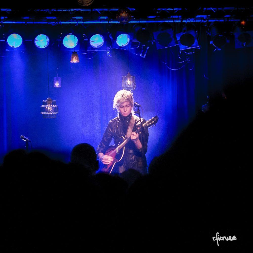 concert photography konzert dresden reiko fitzke rficture Anna Ternheim swedish songwriter Neustadt scheune